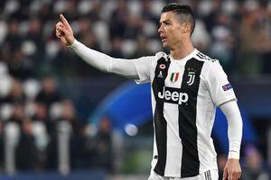 Ronaldo thoát án treo giò sau màn ăn mừng phản cảm