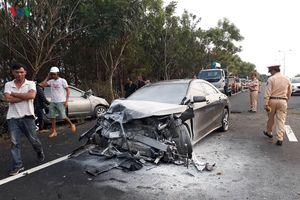 Lâm Đồng: hai ô tô đối đầu trên cao tốc khiến 4 người thương vong