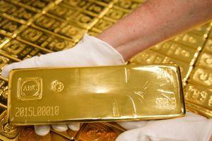Giá vàng hôm nay 22/3: Không tăng lãi suất, vàng được đà tăng vọt