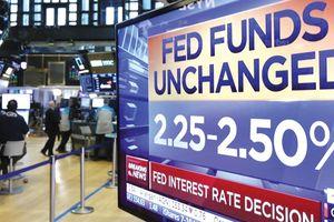 Fed đổi ý, chứng khoán kỳ vọng leo dốc