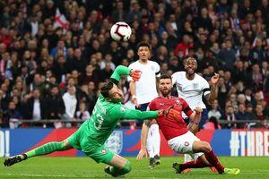 EURO 2020: Sterling giúp tuyển Anh 'càn quét' CH Séc, Ronaldo trở lại trong thất vọng