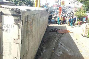 Tai nạn thảm khốc, xe container rơi thùng đè chết 3 người