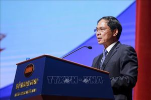 Việt Nam và Chile ký thỏa thuận tu sửa Công viên mang tên Chủ tịch Hồ Chí Minh