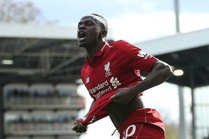 Mane chơi càng hay, Liverpool càng bớt phụ thuộc Salah