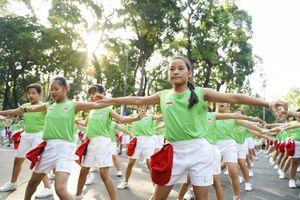 Màn đồng diễn thể dục của 2.000 học sinh TPHCM