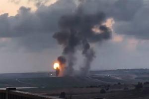 Israel không kích Hamas tại Dải Gaza
