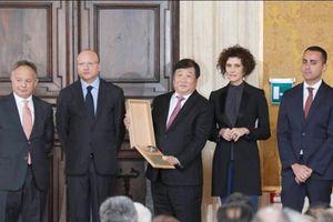Doanh nhân Trung Quốc Tan Xuguang giành giải thưởng kinh tế Leonardo