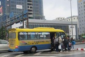 Loay hoay xử lý hơn 400 lượt xe khách quá cảnh qua Hà Nội
