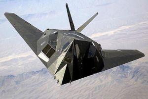 Máy bay Mỹ F-117 bị bắn rơi: 'Xin lỗi chúng tôi không biết nó vô hình'