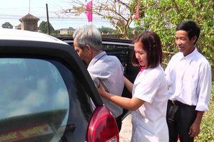 Chân dung lão nông sắm ôtô chở bệnh nhân nghèo miễn phí