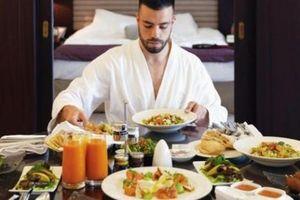 Nhân viên được trả tiền để đi du lịch khắp thế giới, ở khách sạn hạng sang