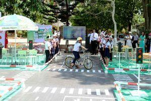 Thiết thực Chương trình giáo dục 'An toàn giao thông cho nụ cười trẻ thơ'