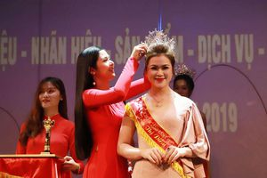 'Nữ hoàng ngành làm đẹp Việt Nam 2019' tiết lộ chưa từng dao kéo