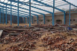 Khởi tố vụ án sập tường công trình nhà xưởng làm 6 người chết ở Vĩnh Long