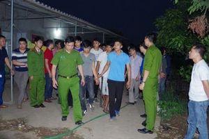 Hưng Yên: Bắt 42 đối tượng đang sát phạt nhau trong sới bạc 'khủng'