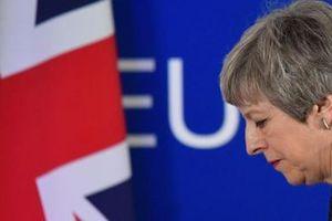 Nữ Thủ tướng Anh đối diện sức ép từ chức chưa từng có