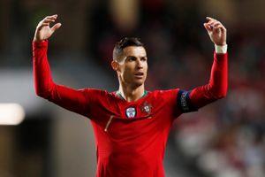 Ronaldo trấn an CĐV: 'Tôi sẽ sớm trở lại sân cỏ'