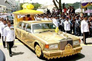 Cuộc sống xa hoa dát vàng của quốc vương Brunei thu nhập 100 USD/giây