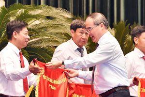 Bí thư Thành ủy TPHCM Nguyễn Thiện Nhân: Lấy sự hài lòng của người dân làm thước đo thi đua