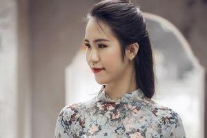 Á khôi Văn Minh Thủy hóa thân người đẹp Tây đô với áo dài nền nã