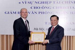 Kỷ niệm chương 'Vì sự nghiệp Tài chính Việt Nam' được xét tặng một lần cho cá nhân đủ tiêu chuẩn