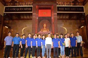 Tuổi trẻ Văn phòng VKSND tối cao tại TP. HCM giáo dục truyền thống nhân ngày 26/3