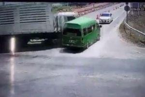 Tai nạn xe khách ở Thái Lan khiến 5 người Việt Nam thiệt mạng