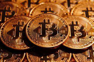 Bitcoin rơi khỏi mức 4.000 USD