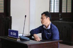 Bác sỹ tát nữ thư ký tòa án bị tuyên 6 tháng tù