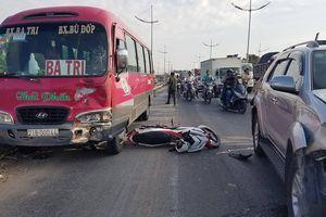 TP.HCM: Va chạm với ô tô, cha tử vong trên đường đưa con gái đi làm