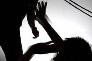 Nghịch tử đâm mẹ ruột 3 nhát dao vì không được chia tài sản