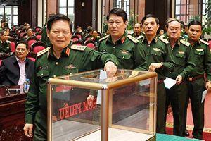 Lấy phiếu tín nhiệm Ủy viên Ban Thường vụ Quân ủy T.Ư và Thứ trưởng Bộ Quốc phòng
