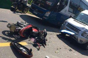Đà Nẵng: Xe khách tông xe tay ga, 2 người nguy kịch