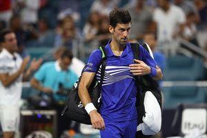Miami Open: Djokovic lại bất ngờ bị loại, 'dân chơi' Kyrgios cũng rời cuộc chơi