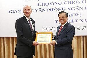 Quy định mới xét tặng Kỷ niệm chương 'Vì sự nghiệp Tài chính Việt Nam'