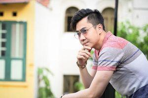 Ca sĩ Việt mượn nhà, mượn xe để khoe khoang và cái kết bị móc mẽ?