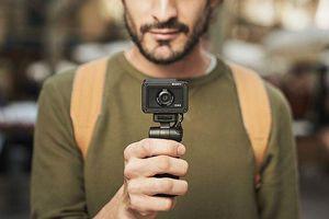 Sony ra mắt máy ảnh Cyber-shot RX0 II: màn hình xoay lật, giá 700 USD