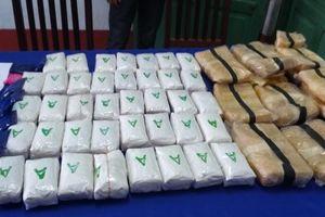 Bắt giữ tại chỗ 4 đối tượng buôn bán ma túy xuyên quốc gia