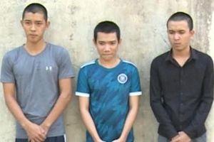 Bắt 'bộ ba' cướp tài sản của du khách nước ngoài