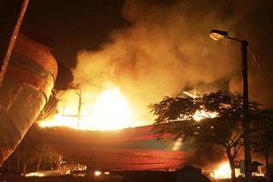 Cháy cơ sở sửa chữa tàu thuyền ở Tĩnh Gia