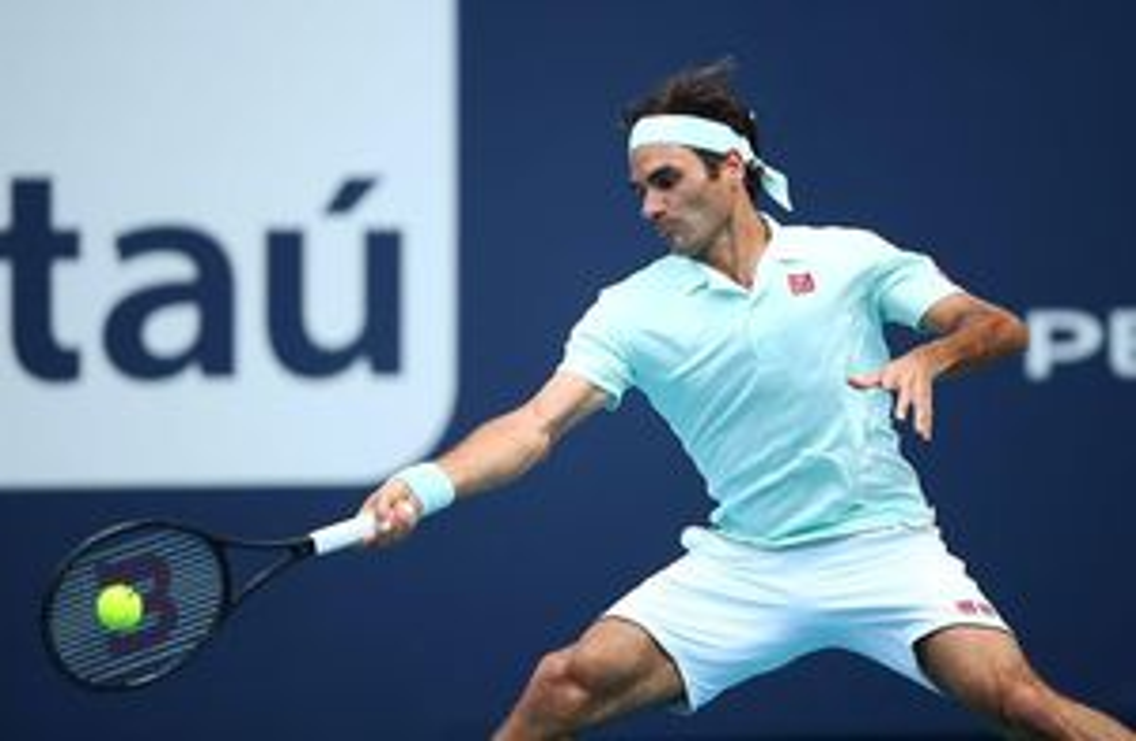 Miami Open: Khen Medvedev tiến bộ, Federer vẫn vùi dập đối thủ sau 63 phút