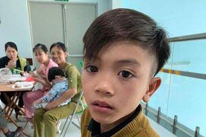 Cậu bé đạp xe hơn 100 km từ Sơn La xuống Hà Nội thăm em: 'Cháu không thấy mệt'