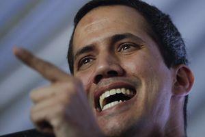 Ông Guaido bị cấm hoạt động công quyền