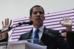 Venezuela cấm tổng thống tự xưng giữ chức vụ công trong 15 năm