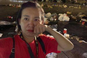 Cô gái từ Sài Gòn ra sân Mỹ Đình nhặt rác và cái kết 'tức phát khóc'