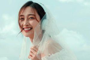 Cô gái đẹp như nàng thơ, mặc áo cô dâu hát 'Cầu hôn' gây sốt là ai?