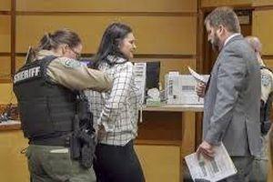 Cô gái lãnh án tù...2 ngày vì đẩy bạn thân từ trên cầu cao xuống