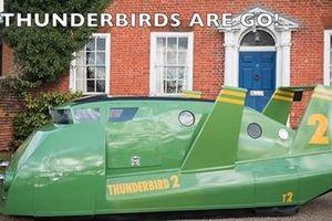 Chiếc xe độc nhất vô nhị ngoài đời thực đi ra từ... trong phim
