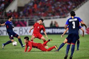 Bóng đá Việt Nam và những câu chuyện bên lề chiến thắng