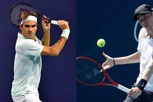 Federer thắng chóng vánh Shapovalov 2-0 chỉ sau 1 giờ 13 phút